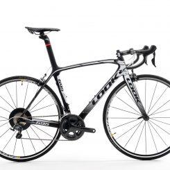 695 ZR black white